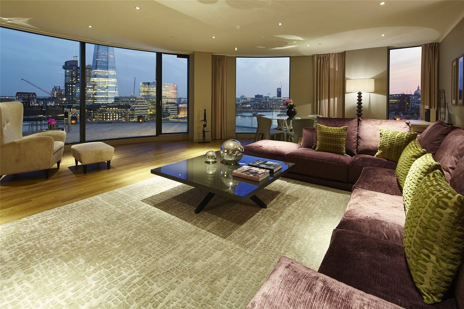 The Luxe Apartment Review: Cheval Three Quays Penthouse ...