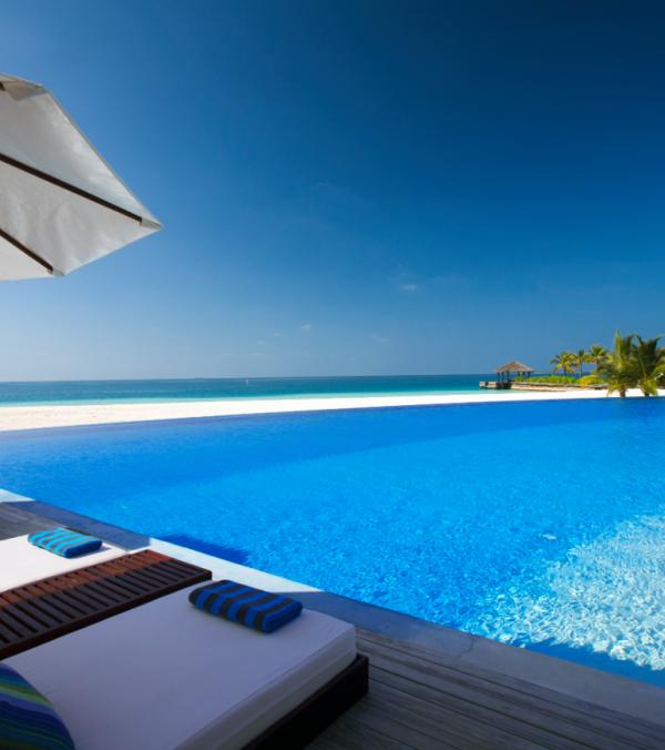 The Hotel Review: Velassaru, Maldives