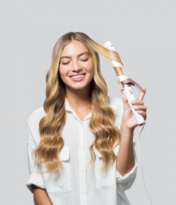 5 Hair Tools You Need For New Summer Social Beauty